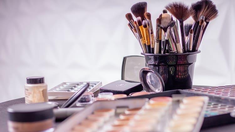 como montar o kit de maquiagem perfeito